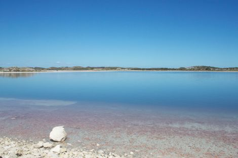 The very serene and beautiful salt lakes on Rottnest.